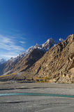 Mountains and river near Sost, Northern Pakistan Royalty Free Stock Photos