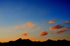 Mountains silhouette at dusk Royalty Free Stock Photos
