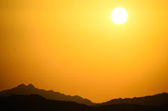 Mountains and sun in Egypt Royalty Free Stock Photos