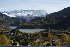 Mountains and trees in Pyrenees, Sallent de gállego Royalty Free Stock Photos