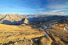 Mountainscape al tramonto Immagini Stock