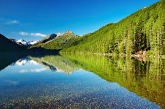 Mountainsee lizenzfreies stockfoto