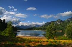 Mountainsee lizenzfreies stockbild