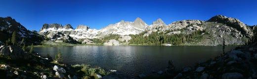Mountainsee-Panorama stockfotografie