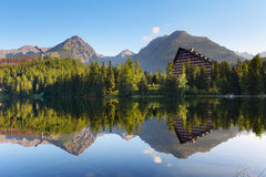Mountainsee in Slowakei Tatra - Strbske Pleso Stockfotografie