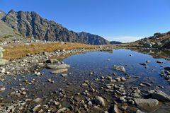 Mountainsee in slowakischem hohem Tatras Lizenzfreies Stockfoto