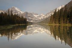 Mountainseereflexion Stockfotos