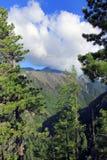Mountan με τα σύννεφα Στοκ εικόνα με δικαίωμα ελεύθερης χρήσης