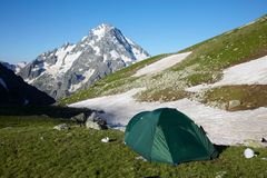 Mountaneers tent in the mpuntains Royalty Free Stock Photo