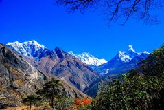 MountEverest sikt från Tengboche, Nepal Royaltyfri Bild