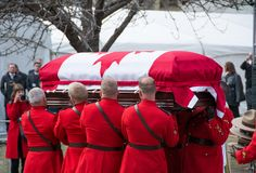 Mounties Handling casket at Jim Flaherty State Fun Stock Photos