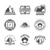 Mountine-Bergsteiger-Kennsatzfamilie stock abbildung