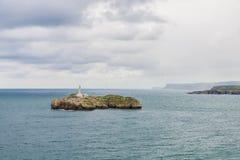 Mouro海岛在桑坦德,西班牙 免版税库存图片