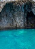 Mourtos denna jama na grka wybrzeżu, fotografującym from inside Obraz Royalty Free