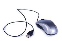 Mouse grigio del calcolatore con il USB del cavo del collegamento Fotografie Stock Libere da Diritti