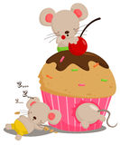 Mouse Love Cupcake Royalty Free Stock Photo