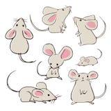 Mouses desenhados à mão bonitos com poses diferentes ilustração royalty free