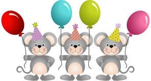 Mouses di compleanno con i palloni Immagini Stock Libere da Diritti