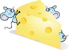 Mouses sur le fromage - illustration mignonne de bande dessinée Photographie stock libre de droits
