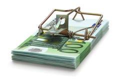 Mousetrap feito de cem euro- notas de banco. Fotografia de Stock