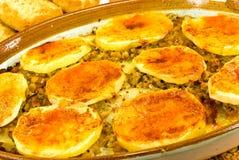 Moussaka-braadpan met kaas, aubergine en gebakken royalty-vrije stock afbeelding