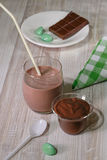 Mousse και γάλακτος επιδόρπιο Στοκ εικόνες με δικαίωμα ελεύθερης χρήσης
