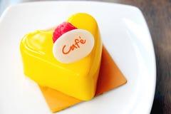 Mousse μάγκο κέικ Στοκ Φωτογραφία