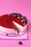 Mousse μαύρων σταφίδων κέικ στοκ εικόνα