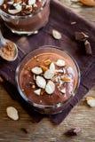 Mousse σοκολάτας με το αμύγδαλο Στοκ φωτογραφία με δικαίωμα ελεύθερης χρήσης