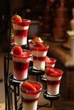 Mousse de fraise images stock