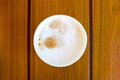Mousse de lait sur le café Photo libre de droits