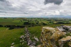 Mousse sur des roches en haut de colline de Wolfscote Images libres de droits