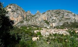 Moustiers Sainte Marie dans Haute Provence en France images stock