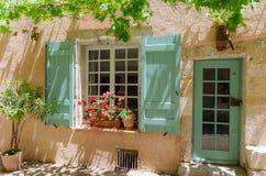 Moustiers-Sainte-Marie em Provence, França imagem de stock