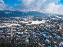 Moutain снега сезона зимы голубого неба Зальцбурга Австрии ландшафта городского пейзажа Стоковое Изображение