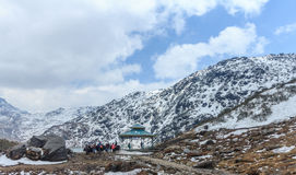 Moutain de neige au Sikkim du nord, Inde photographie stock libre de droits