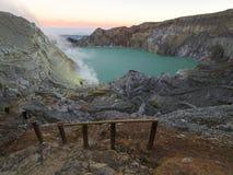 Moutain doliny krajobrazu skały błękita ocean Fotografia Royalty Free