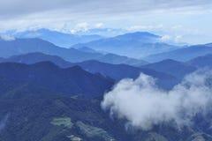 Moutain e nube fotografia stock libera da diritti