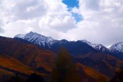 Moutains在西藏 免版税库存照片