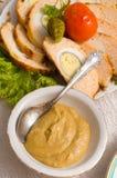 Moutarde russe et un paraboloïde de viande. Photographie stock