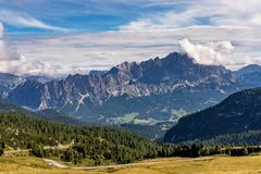 Moutnain доломитов Италии - Passo di Giau в южном Тироле стоковые фотографии rf