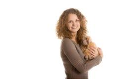 Moutons de jouet bourrés par prises de fille Photographie stock libre de droits