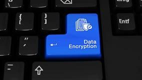 Mouvement de rotation de cryptage des données sur le bouton de clavier d'ordinateur banque de vidéos