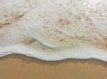 Mouvement de vague de mer sur la plage Image stock