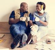 Mouvement noir de couples au concept de nouvelle maison photo libre de droits