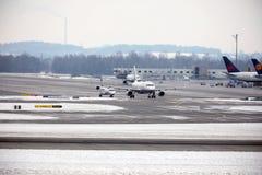 Mouvement plat dans l'aéroport MUC de Munich Photographie stock