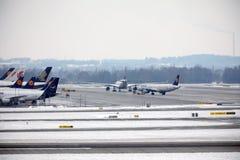 Mouvement plat dans l'aéroport MUC de Munich Images stock