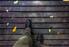 Movendo-se para a frente com dois pés, não pare de mover-se para a frente Fotografia de Stock Royalty Free