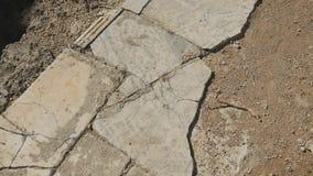 Movendo sobre o trajeto de mármore antigo vídeos de arquivo