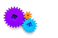 Moviendo adelante concepto, principio de funcionamiento ideal con los engranajes y las ruedas en la mofa blanca de la opinión sup Fotografía de archivo libre de regalías
